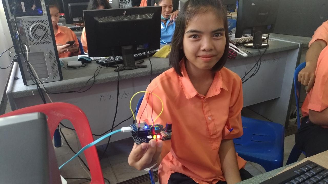 16 มิ.ย. 61 อบรม สมองกลและไอโอที (IoT) ให้กับน้องๆ ชั้น ม.4 โรงเรียนโคกล่ามพิทยาคม จ.ร้อยเอ็ด จำนวน 30 คน