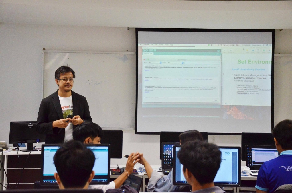 17 ก.พ. 60 อบรมเชิงปฏิบัติการ Internet of Things (IoT) ให้กับอาจารย์และนิสิต คณะวิทยาการสารสนเทศ มหาวิทยาลัยมหาสารคาม  จำนวน 15 คน