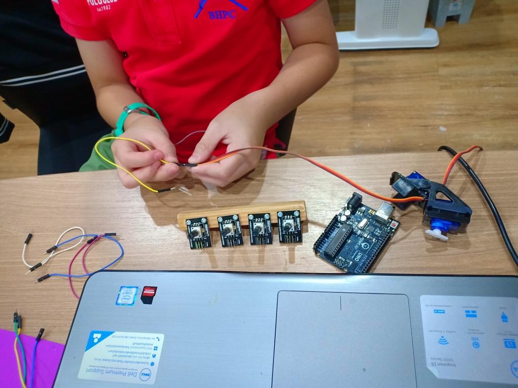 MicroBrain-Student-Smart-IMG20190419103541_1024x768